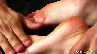 Filthy oiled footjob by Lexi Belle for her masseuse Danny Mountain