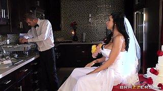 Nasty Attittude Bride Fucked Before The Wedding