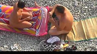 beach blowjob and pee on dick