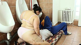 BBW Mistress Jitka swallowed guy\'s face with her ass