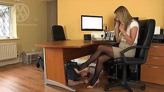 Mistress Nikki whiplashes the office pervert
