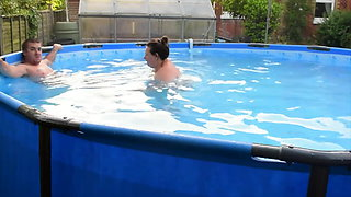 Having Fun in the Swimming Pool with BBW