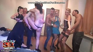 Stud coeds plunge into group orgy