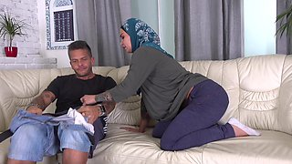Horny Muslim wife wanted try anal sex
