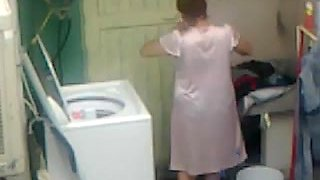 Spying Neighbour - Mature Ass Washing - Butt Voyeur