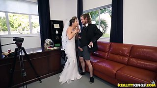 Cory Chase, Brick Danger And Abella Danger In Kinky Bride Sucks Dick When Mature Blonde Joins Them