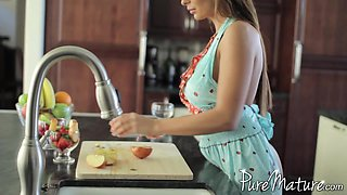 Horny wife preparing fruits in the kitchen then getting banged hardcore