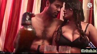 Apni Hot Wife Ko Friend Ke Sath Share Kiya