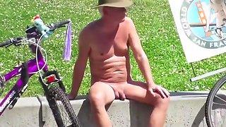 CFNM - Crazy boner in Public