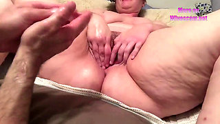 Amateur BBW getting fisted