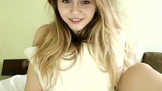 amateur jacky_smith flashing ass on live webcam - 6cam.biz