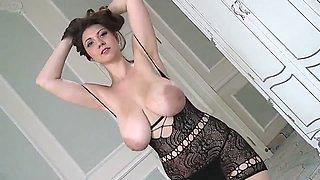 Sexy Lingerie Lina's saggy bouncing titties