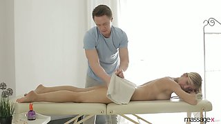 Big tittied and bootyful milf Rita Rush gets intimate with her new masseur