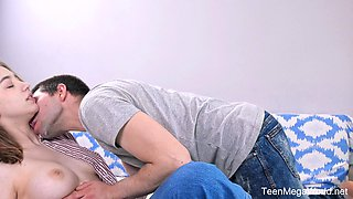 Sexy Caucasian girl with juicy titties Eliza Thorn loves kissing BF fucking her
