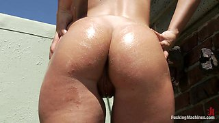 Hot Babe Beverly Hills Double Penetrated by Fucking Machines Outdoors