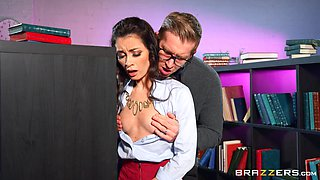 Librarian gets laid with nerdy student in crazy XXX scenes