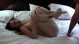Pregnant Sexy Hot Girl Gets a Creampie