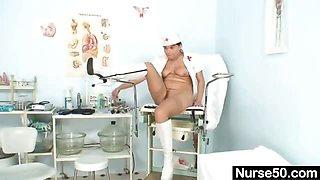 Amateur milf nurse naughty pussy stretching on gynochair